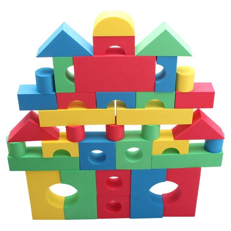 Foam building blocks pictures to pin on pinterest thepinsta for Foam block homes